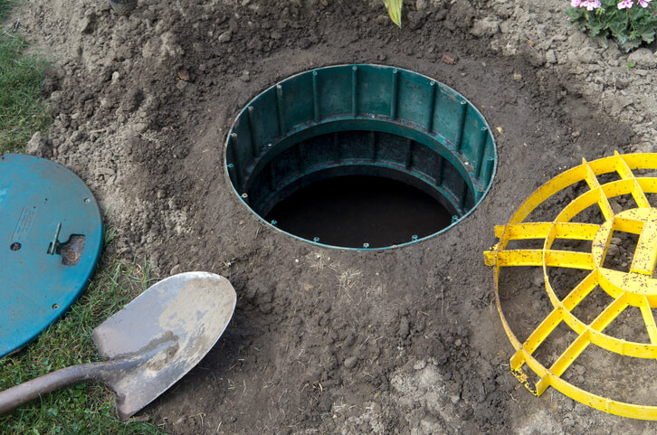 4 Signs Of A Septic Tank Problem